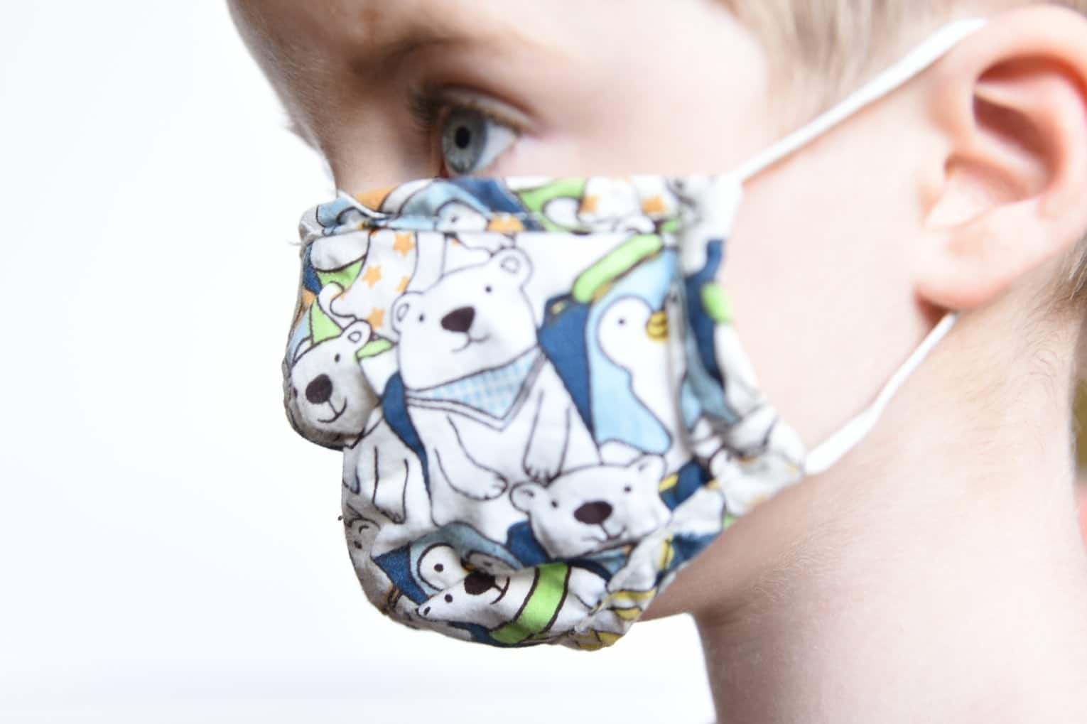 kid with mask