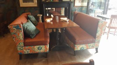 toast-booth-bench-seat-upholstery-repair-restoration-005