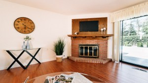 19-Family Room Fire Place