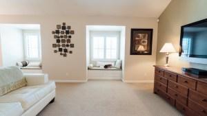 41-Master Bedroom Window Seat
