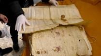 Le antiche pergamene recuperate dall'Archivio di Stato di napoli