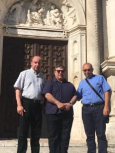 Don Mario Rega a Collemaggio accompagnato dai sacerdoti diocesani don Massimiliano Giannico e don Armando Visone