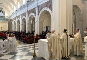 In Cattedrale, il giorno di Natale, la Messa presieduta dal vescovo Orazio Francesco Piazza