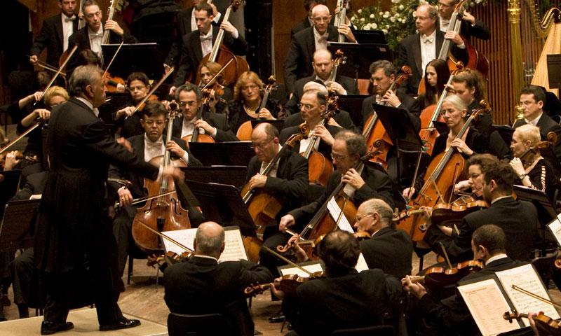Zubin y orquesta
