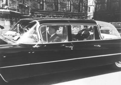 En 1956, los Queen Mary II y Queen Elizabeth II reemplazaron a los convertibles de las series originales, para servir al presidente Eisenhower, y continuar sirviendo a los presidentes John F. Kennedy y Lyndon B. Johnson.