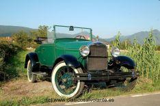 El modelo presentado fue fabricado en 1929, tal y como lo atestigua su número de serie. Equipa una simpática carrocería Roadster Coupé.