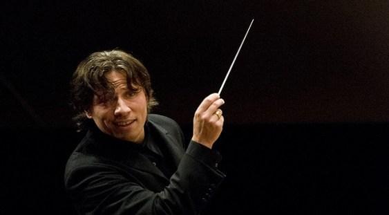 Kristjan Jarvi, la pupitrul Orchestrei Simfonice Radio Leipzig