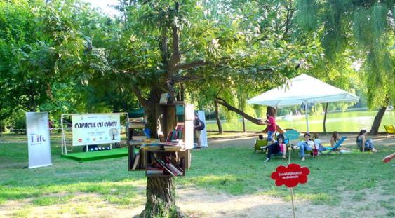 COPACUL CU CĂRȚI deschide zona de lectură liberă în Parcul Cișmigiu