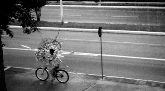 """Expoziţia de fotografie de stradă """"World in Streets"""""""