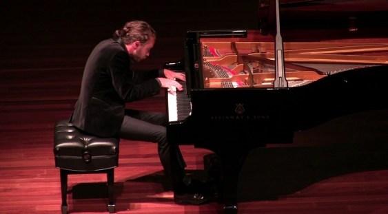 Pianistul Daniel Ciobanu a câștigat Premiul I la Concursul Internațional de Pian de la Rio de Janeiro
