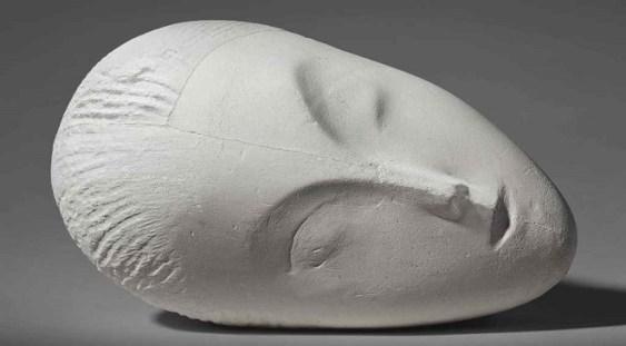 """""""La Muse endormie"""", de Constantin Brâncuşi, a fost estimată de casa Christie's la 35 de milioane de dolari"""