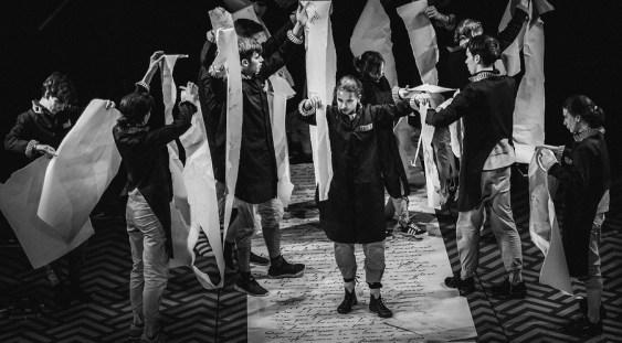Premieră la Teatrul Excelsior: Viața plictisitoare și preaplină a visătorului François