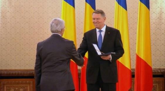 """Filarmonica """"George Enescu"""", decorată de Preşedintele Klaus Iohannis"""