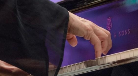 Recital de pian în memoria Reginei Maria