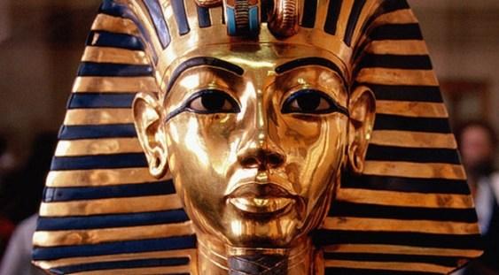 Celebra mască a lui Tutankhamon, într-o expoziţie la Biblioteca Naţională a României