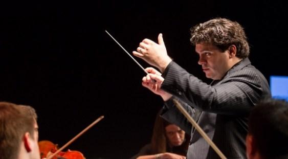 Cristian Măcelaru dirijează Enescu și Rachmaninov, la Sala Radio