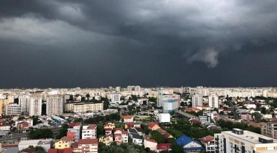Avertizare METEO: Cod PORTOCALIU de ploi abundente în 13 judeţe