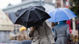 Meteorologii anunță ploi torențiale până duminică seara în București