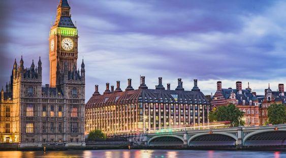 Marea Britanie, prima țară din lume care aprobă vaccinul Pfizer/BioNTech