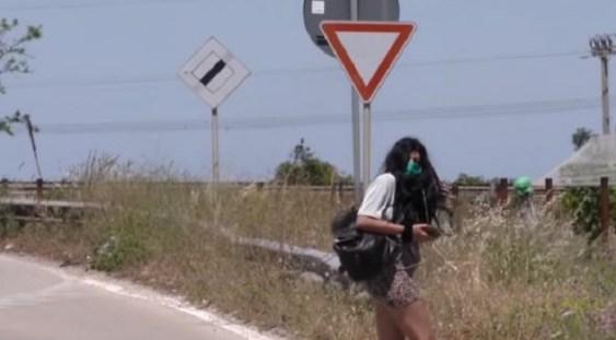 VIDEO | Prostituatele românce din Italia s-au dotat cu măști, gel dezinfectant și termoscanere