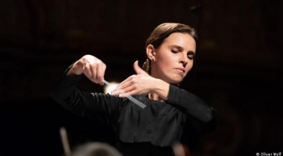 Premieră în Italia – dirijoarea Oksana Lyniv este prima femeie numită director muzical într-un teatru de operă
