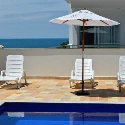 piscina e mar 600x900 pixel