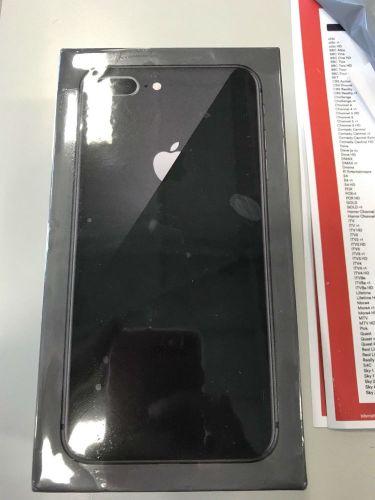 Apple iPhone 8 Plus - 64GB