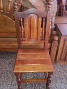 Restauración de muebles de algarrobo