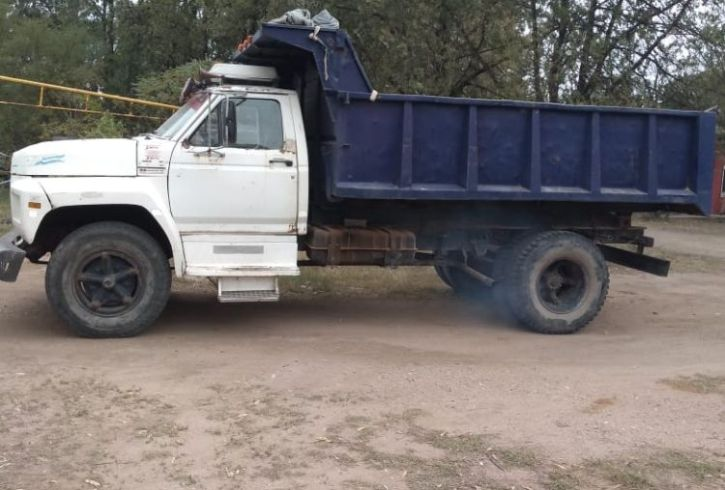 Camion Ford 700 (2)