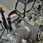 De BMW R80/7 is nu compleet gedemonteerd