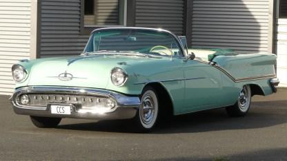 OLDSMOBILE 1957 98 Cab (2)