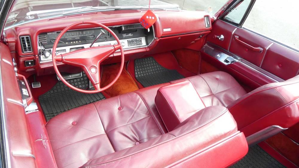 Cadillac De Ville 1967 Convertible (23)