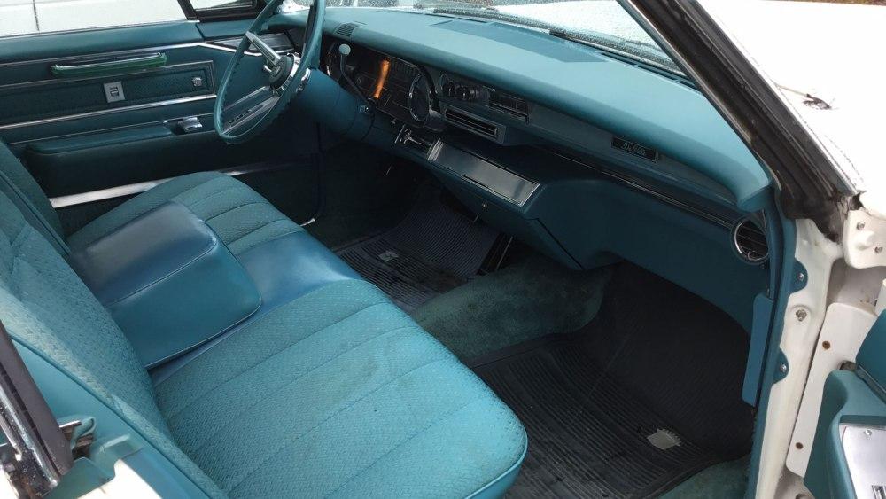 Cadillac 4 dr ht 1966 (2)