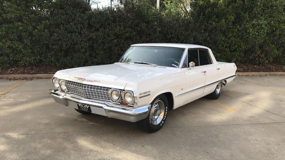 Chevrolet-Impala-4-dr-ht-1963 (1)