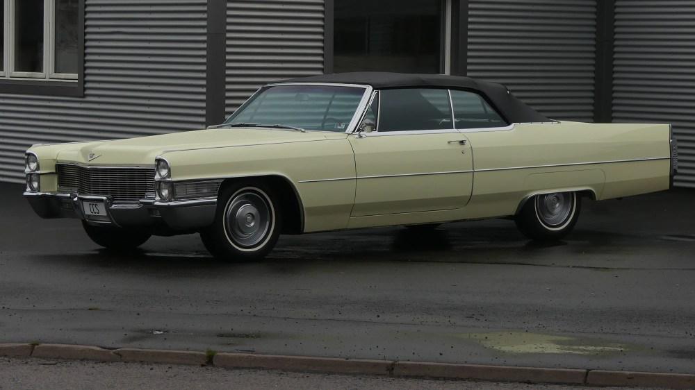 Cadillac Deville 1965 Convertible (1)