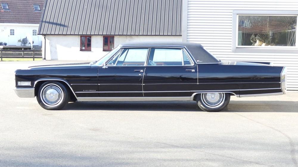 Cadillac Fleetwood 1966 (5)