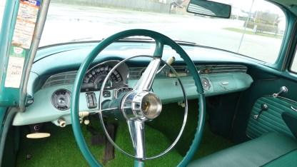 Pontiac Cheiftain 1956 4D (24)