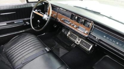 Pontiac Bonneville Cab 1966 (28)