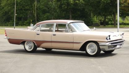 1957 DeSoto Firedome 4DR (4)