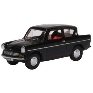 Oxford Models 1-76 Ford Anglia 105E in black Fine detail in a metal model.