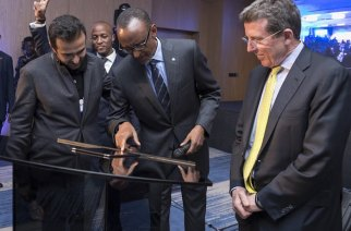 President Kagame with Ashish J. Thakkar, Mara Group Founder, at the BPR Atlas Mara Brand Reveal in Kigali during the World Economic Forum on Africa in 2016