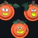 Click to view this pumpkin craft on the Kansas City Public Library website.