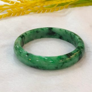 intense green jade bangle