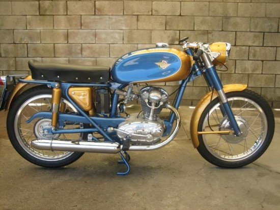 1966 Ducati 125 R Side