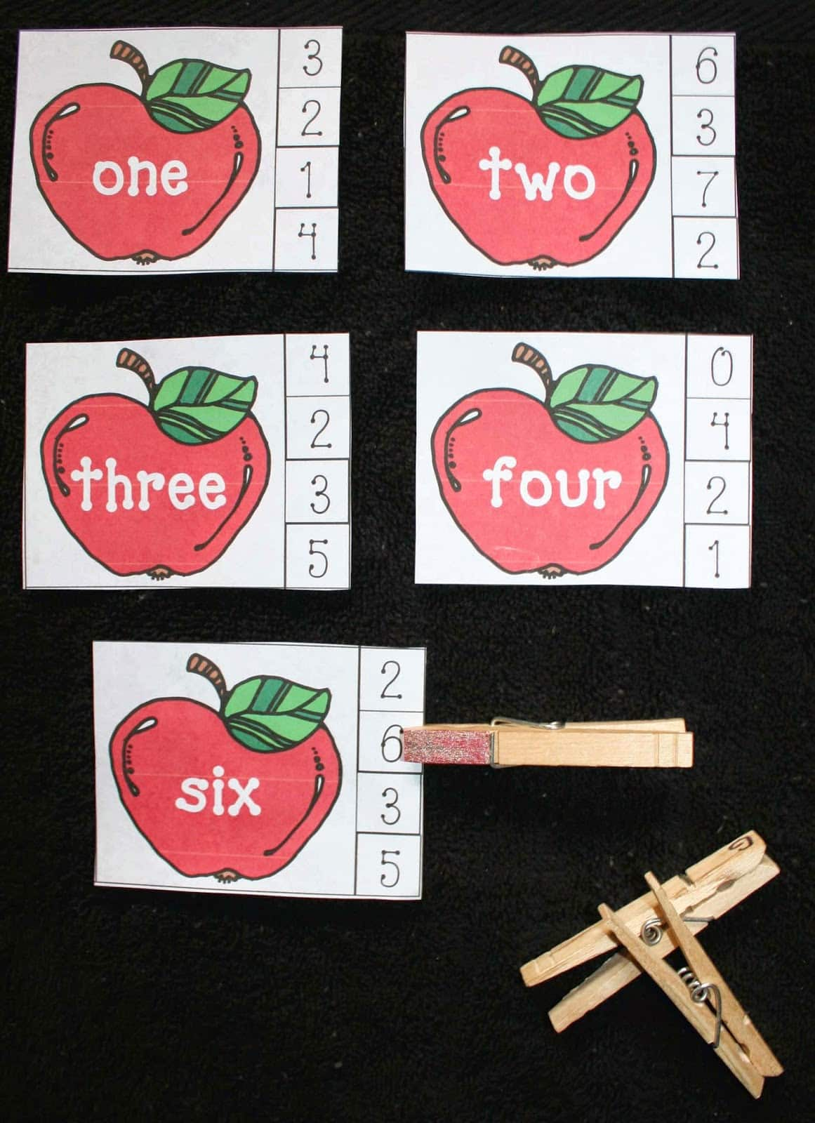 Apple Number Word Matching Game