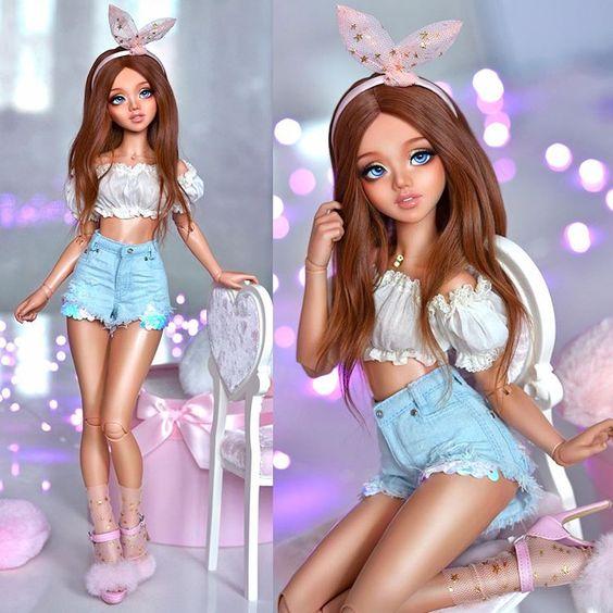As Barbie Extra Sings