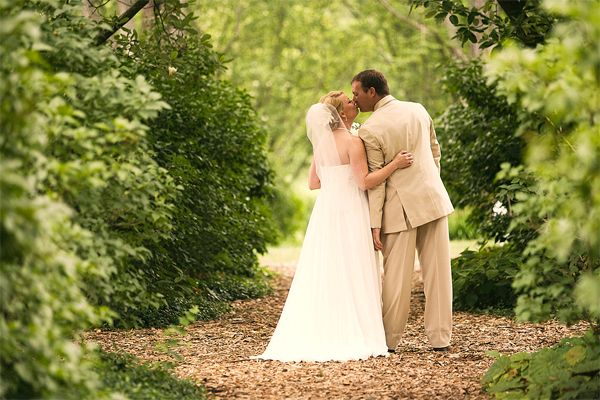 Fun And Inspired Ways To Make Your Wedding Green