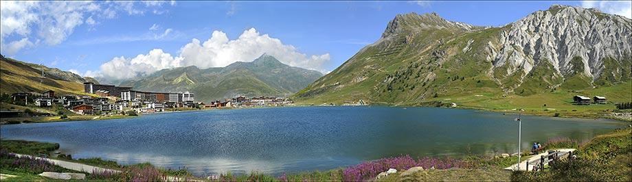 Tignes le lac ( alt. 2000 m )