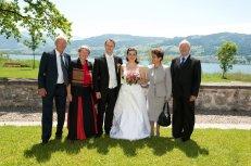 Das Brautpaar mit Eltern