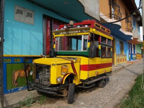 Minibus in Guatapé